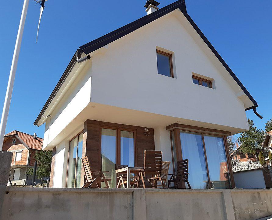 Villa Slovenska hiša